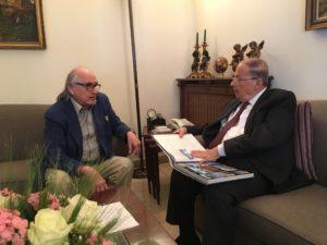 Entrevista con el presidente de Líbano General Michel Aoun en su residencia en Rabie en las afueras de Berút 3 meses antes de su asunción presidencial